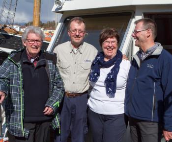Dejlig cruise redarpar Ingemar och Yvonne Johansson flankerade av guiderna Håkan och Kent.